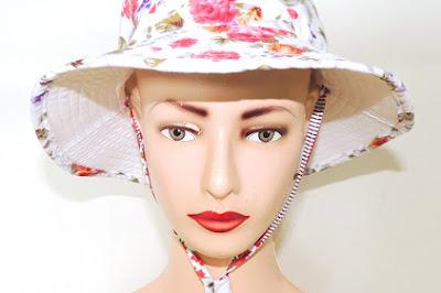 Topi Bucket Floral Putih