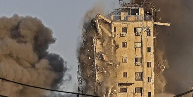 CAPTAN MOMENTO EN QUE ISRAEL DERRIBA OTRO EDIFICIO EN GAZA