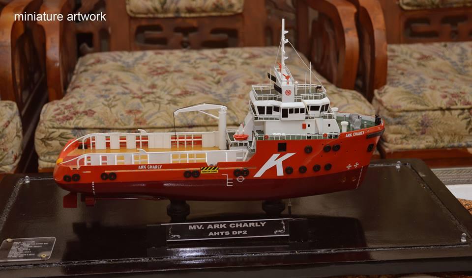 Miniatur Kapal Ark Charly