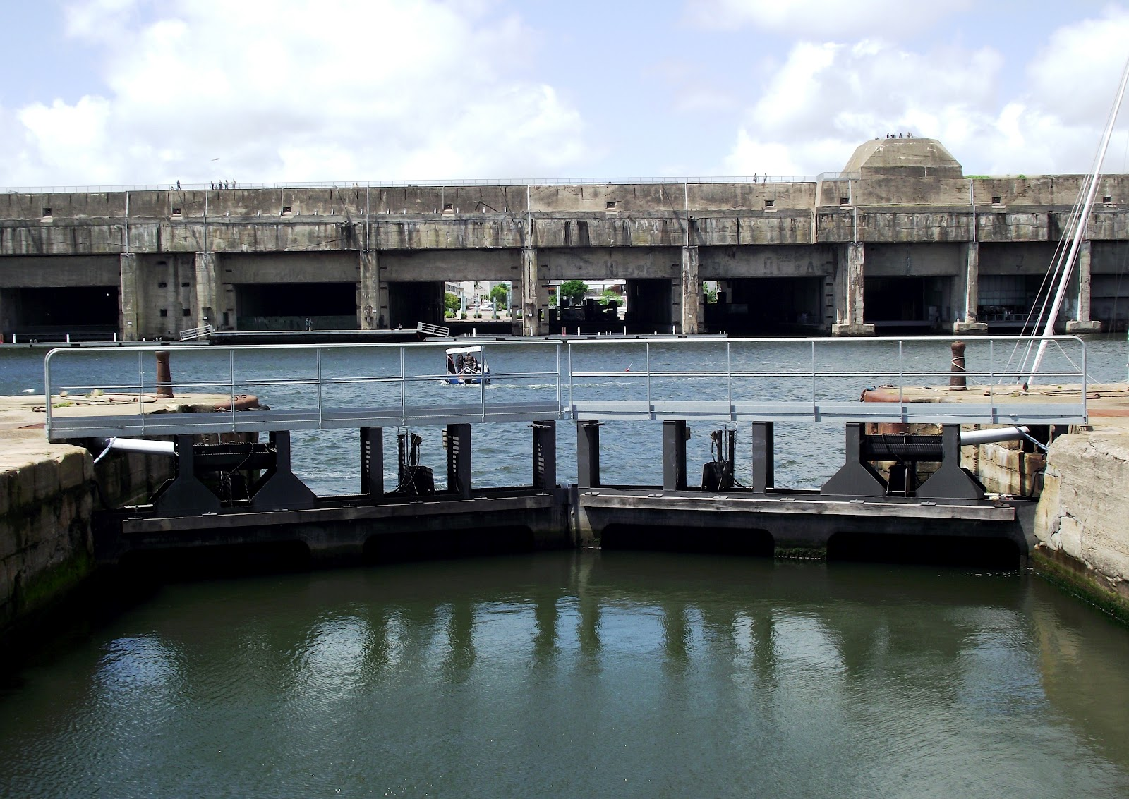 YoungManGoneWest: St Nazaire U-Boat Pens