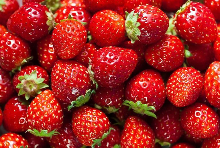 Manfaat Stroberi Untuk Kesehatan dan Kecantikan