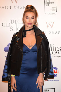 Ferne-McCann-interviewed-on-stage-at-the-Clothes-Show--07+sexycelebs.in.jpg