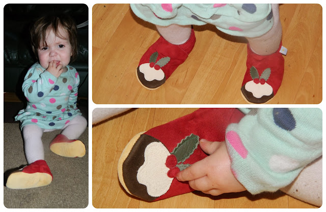 Daisy Root Christmas Pudding Baby Slippers Red Suede Girl Boy