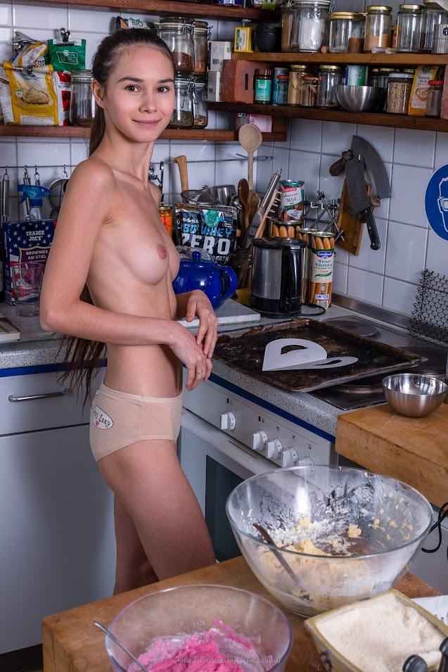 [Erotic-Art] Leona Mia - X-Mas Bakery