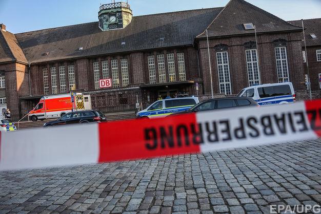 У Німеччині поліцейська застрелила пасажира поїзда, який із ножем напав на попутника