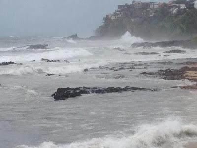 Vento forte e mar agitado no Rio Vermelho