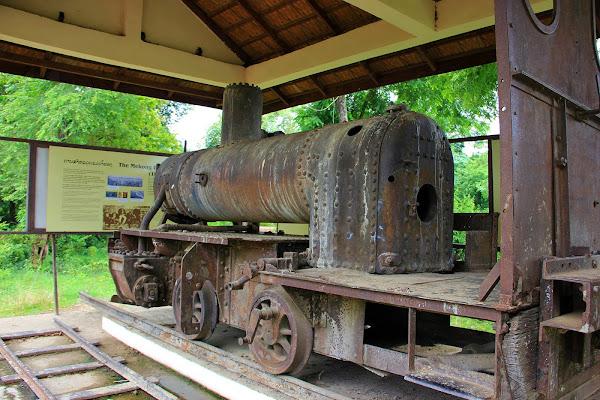 Restos del ferrocarril francés en las 4000 islas del Mekong (Si Phan Don, Laos)