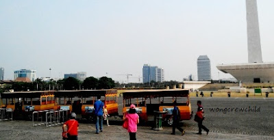 kereta wisata gratis di monas
