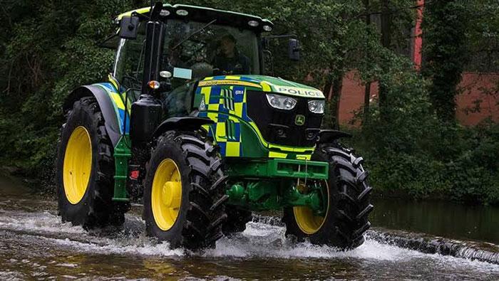 Traktor Polisi