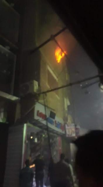 حريق هائل بمخزن أحذية بالقيسارية في سوهاج