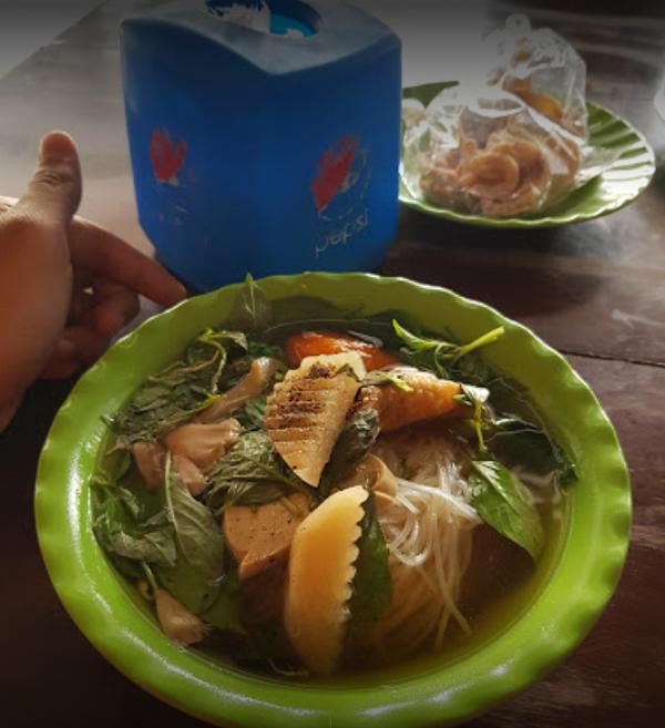 Hủ tiếu nước chay tại chùa Phước Huệ Sa Đéc