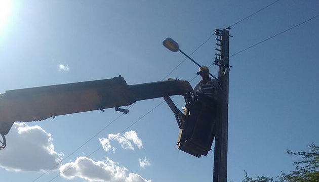 Prefeitura de Delmiro Gouveia continua com a reposição de lâmpadas queimadas em todo o município