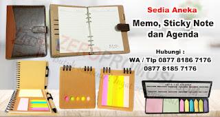Gunakan memo dan pulpen daur ulang