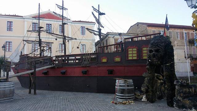 Ο Άγιος Βασίλης με πειρατικό καράβι έφθασε στο Ναύπλιο - Η συνέχεια στις 9 Δεκεμβρίου 2017…