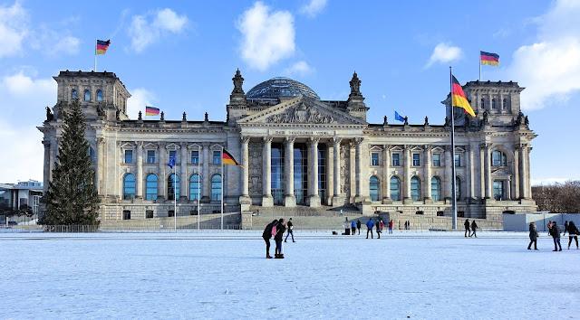 ドイツ連邦議会議事堂、ベルリン、1月