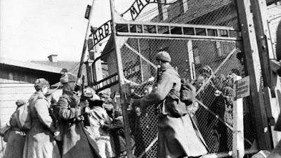 Tropas sovieticas en Auschwitz (1945 )