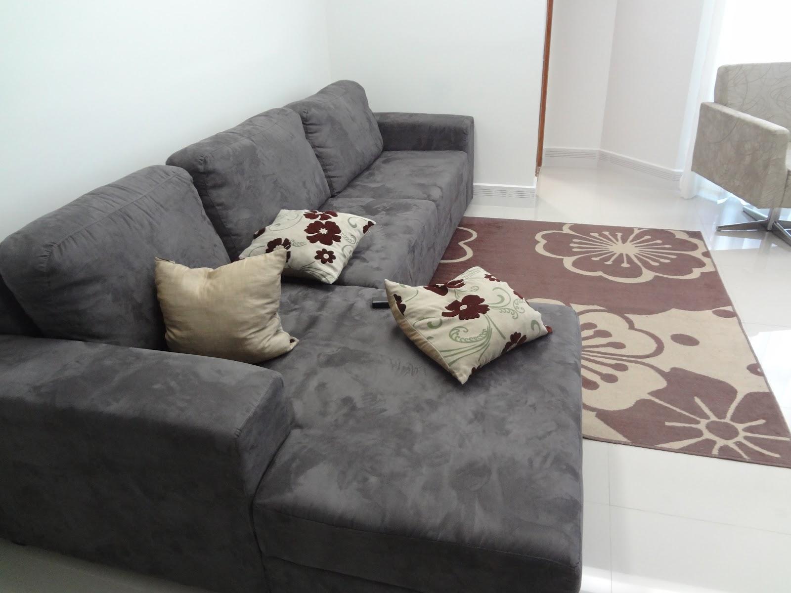 Dicas Para Escolher O Tecido E O Modelo Do Sof Armaz M Cores De  -> Sala Sofa Cinza E Azul
