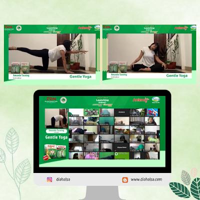 sesi yoga bareng Anlene
