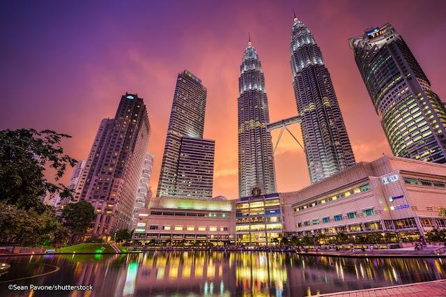 10 Tempat yang Wajib di Kunjungi di Malaysia - Twin Towers