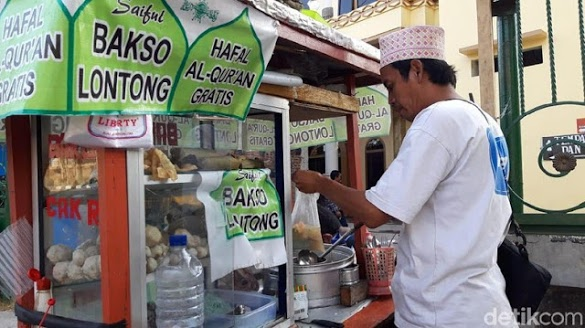 Penjual Bakso di Surabaya Gratiskan Bakso untuk Penghafal Alquran