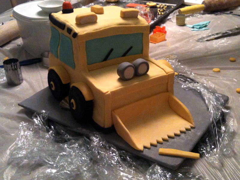 Bulldozer birthday cake work process