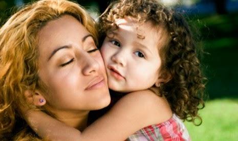 7 Cara Menanamkan Cinta Kepada Anak