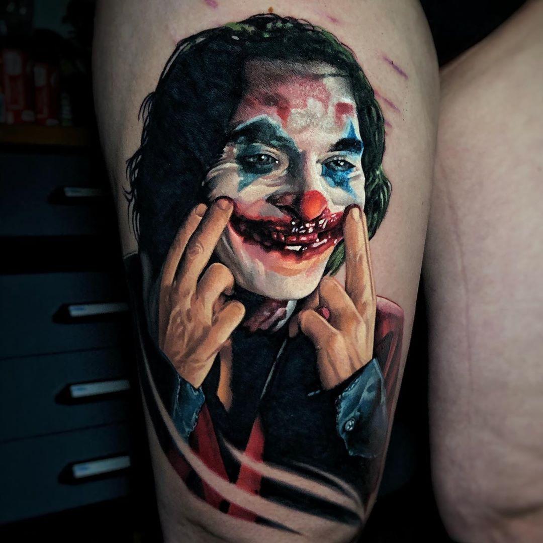 Tatuaje Joker por Szalai Tibor Tattoos
