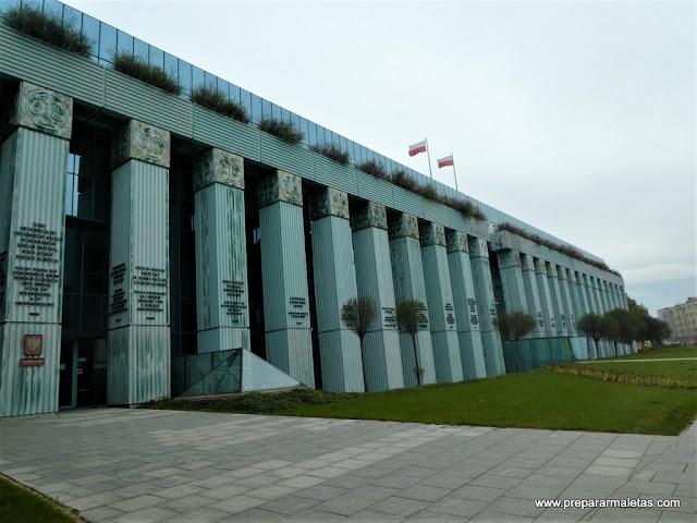 edificio corte suprema de Varsovia Polonia