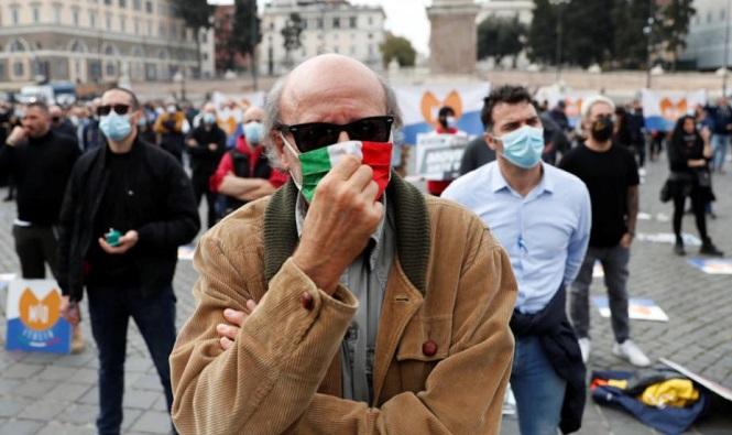 """En Italia advierten que el país entró en la """"cuarta ola"""" de coronavirus"""