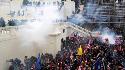 """""""FBI"""": اعتقال نحو 500 شخص على خلفية أحداث اقتحام الكونغرس"""