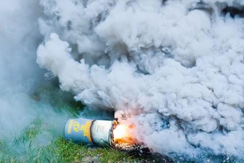 Rossz ötlet volt a szelfi: füstgránát robbant fel két nagymágocsi lány kezében