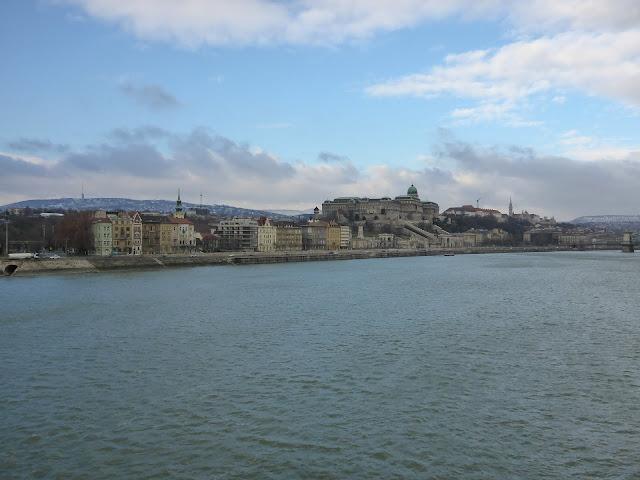 palais royal vu de Pest Budapest Hongrie