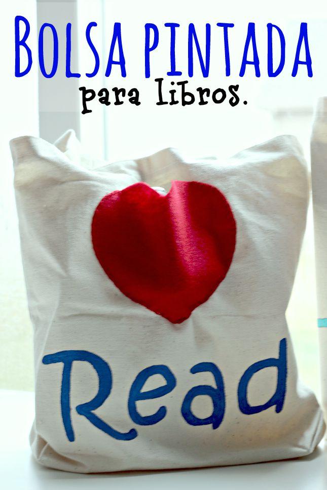 Bolsas de lona pintadas para los libros de la biblioteca by www.unamexicanaenusa.com