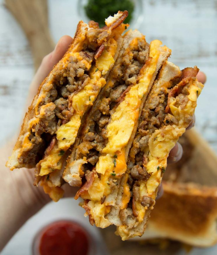 quick and easy breakfast : Breakfast Grilled Cheese
