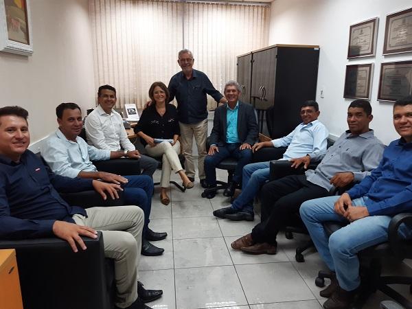 Deputados e comitiva de Guajeru asseguram benefícios para a população