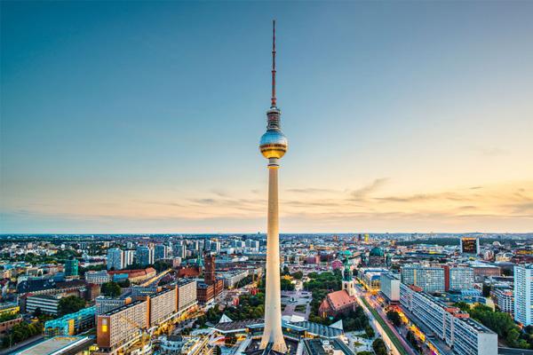 فيرنزيه تورم - برج الاذاعة والتلفزيون فى برلين