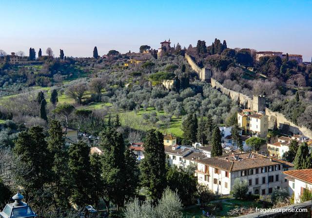 Oltrarno e as muralhas de Florença vistas da Piazzale Michelangelo