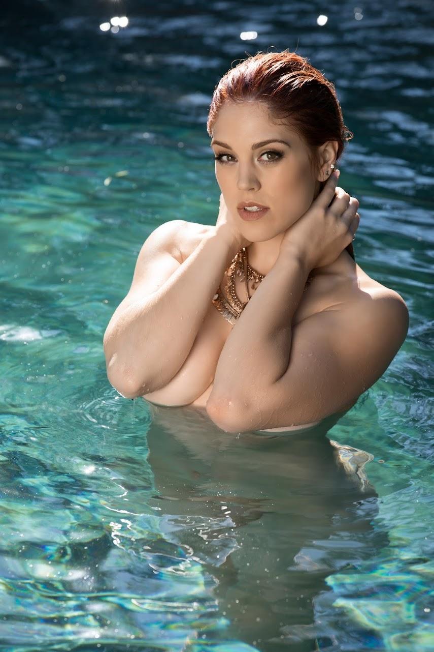 [Playboy Plus] Molly Stewart - A Quick Dip