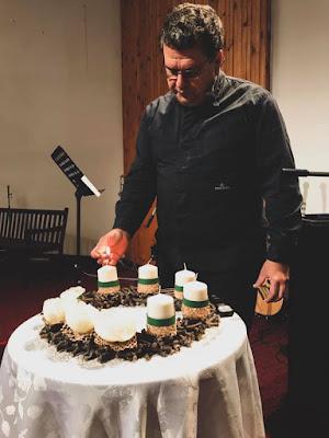 Paljenje adventne sveće