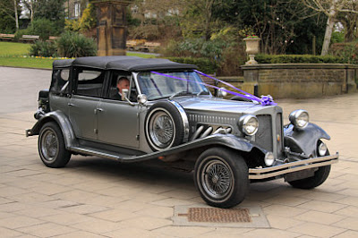 http://www.countybride.co.uk/bristol/wedding_services/wedding_cars_and_carriages/