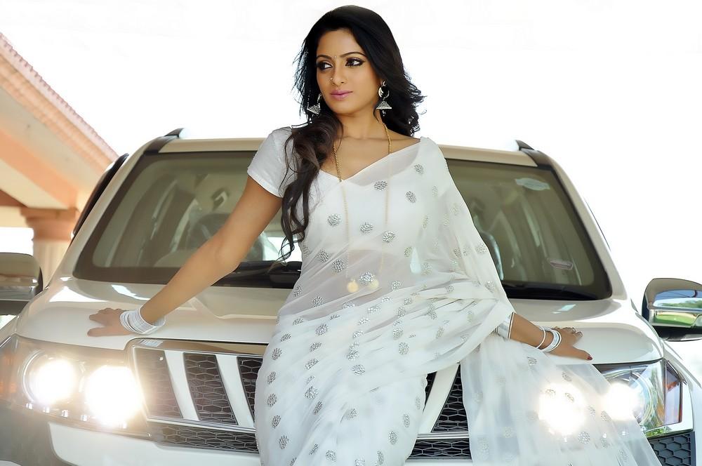 gorgeous diva rosy Udaya bhanu stills madhumathi movie