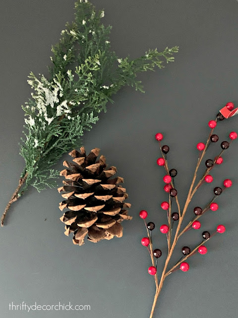 My go-to favorites for holiday decorating