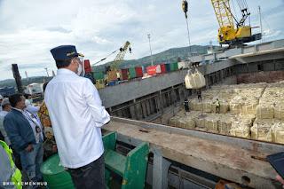 Menhub Tinjau Pelabuhan Ambon Terapkan Protokol Kesehatan