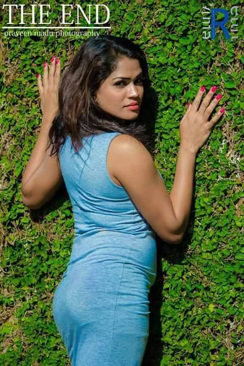 Sri lanka hot girl give me a hot blow job 2
