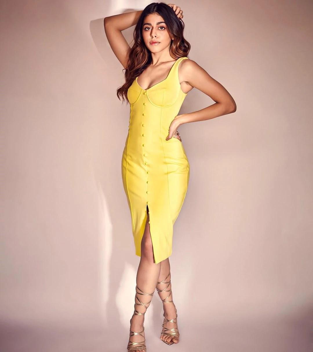 alaya-furniturewala-in-yellow-bodycon-dress