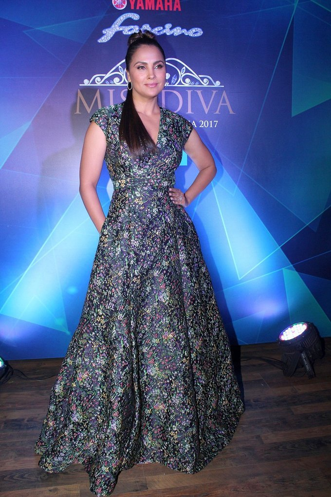 Lara Dutta at 1st Ever Bloggers Meet Of Yamaha Fascino Miss Diva Miss Universe India 2017