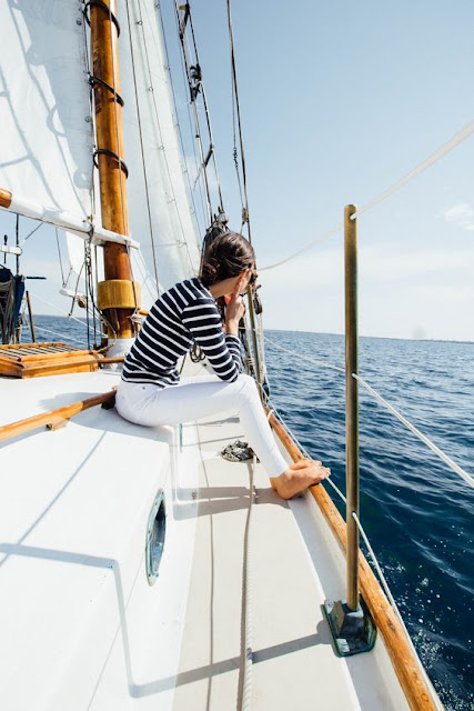 sailing nantucket in stripes and white jeans @ amy_stone {Cool Chic Style Fashion}