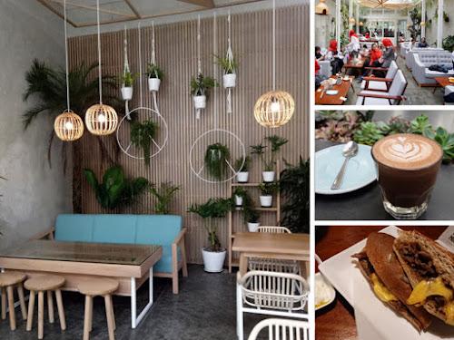Kafe Sydwic Jalan Cilaki Bandung
