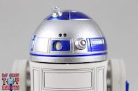 S.H. Figuarts R2-D2 16