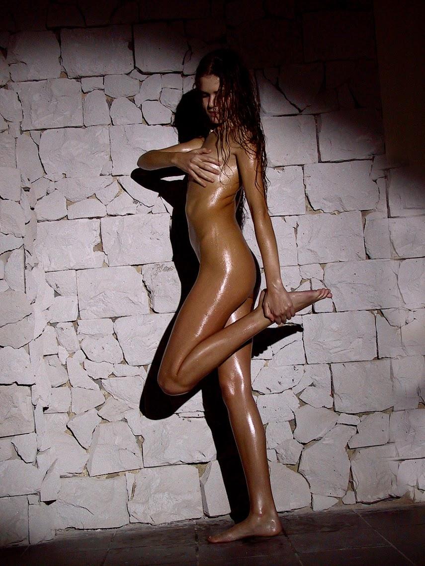 20041115_-_Alessandra_D_&_Juman_-_Restoration_-_by_Pasha.zip.MET-ART_psh_48_0005 Met-Art 20041115 - Girls - Metropolis - by Yuryev